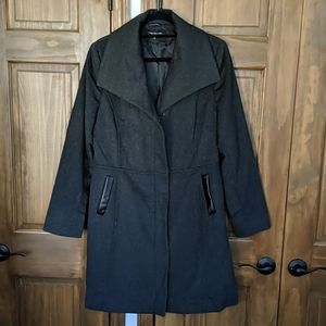 Wide lapel wool coat w/leather detail